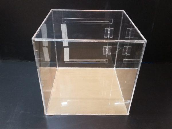 20180108 152042 600x450 - باکس شیشه ای با ابعاد دلخواه