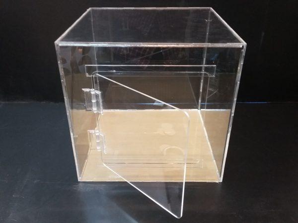 20180108 152147 600x450 - باکس شیشه ای با ابعاد دلخواه