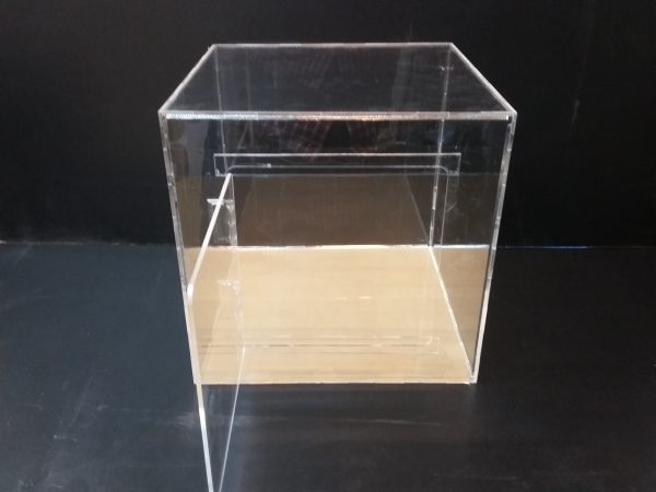20180108 152156 600x450 - باکس شیشه ای با ابعاد دلخواه