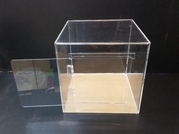 20180108 152159 600x450 - باکس شیشه ای با ابعاد دلخواه