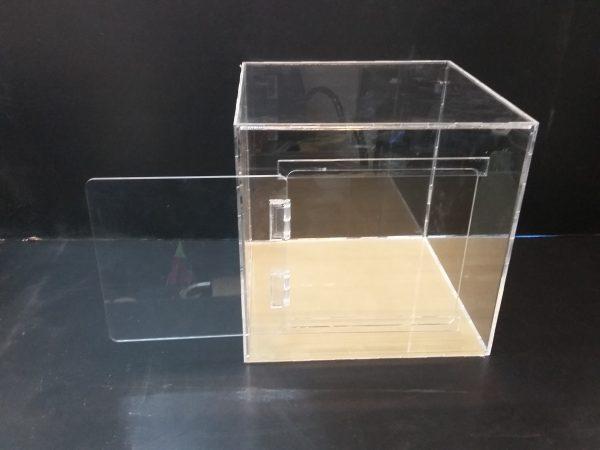 20180108 152212 600x450 - باکس شیشه ای با ابعاد دلخواه