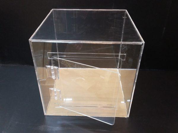 20180108 152216 600x450 - باکس شیشه ای با ابعاد دلخواه